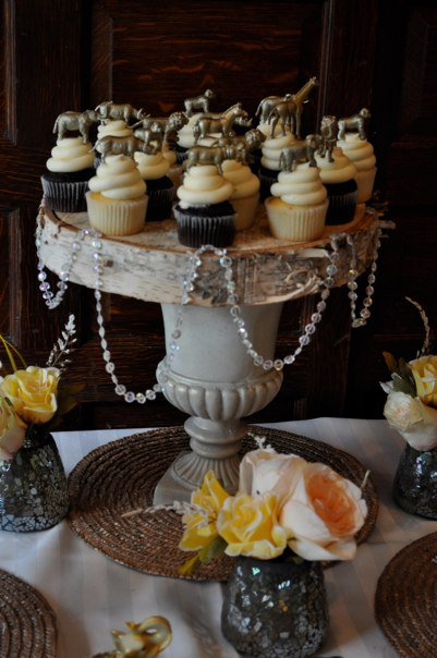 Safari Cupcakes  Luxe Safari pop by yaz