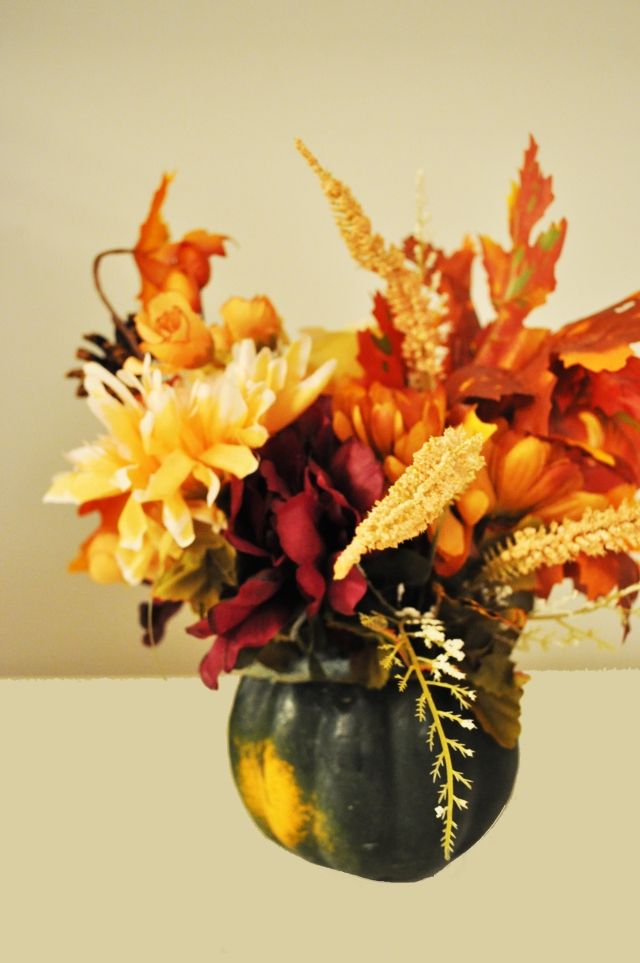 Thanksgiving Kids Table Flowers 1