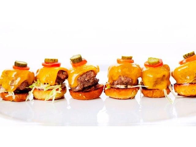 wolgang-puck-mini-burgers